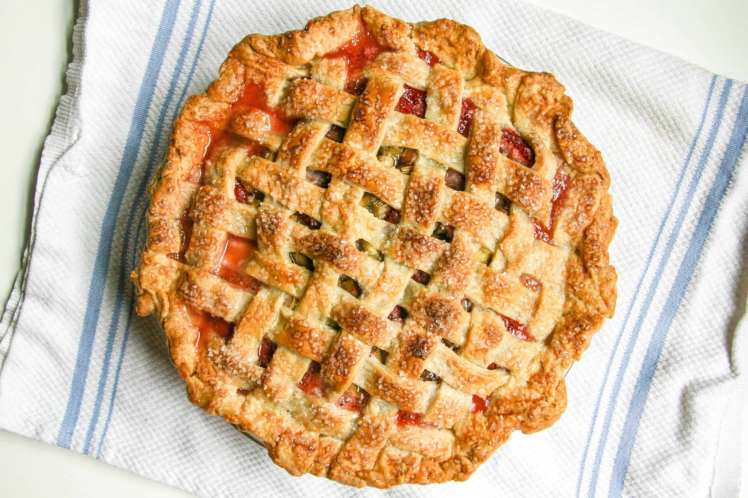 strawberry rhubarb pie 10