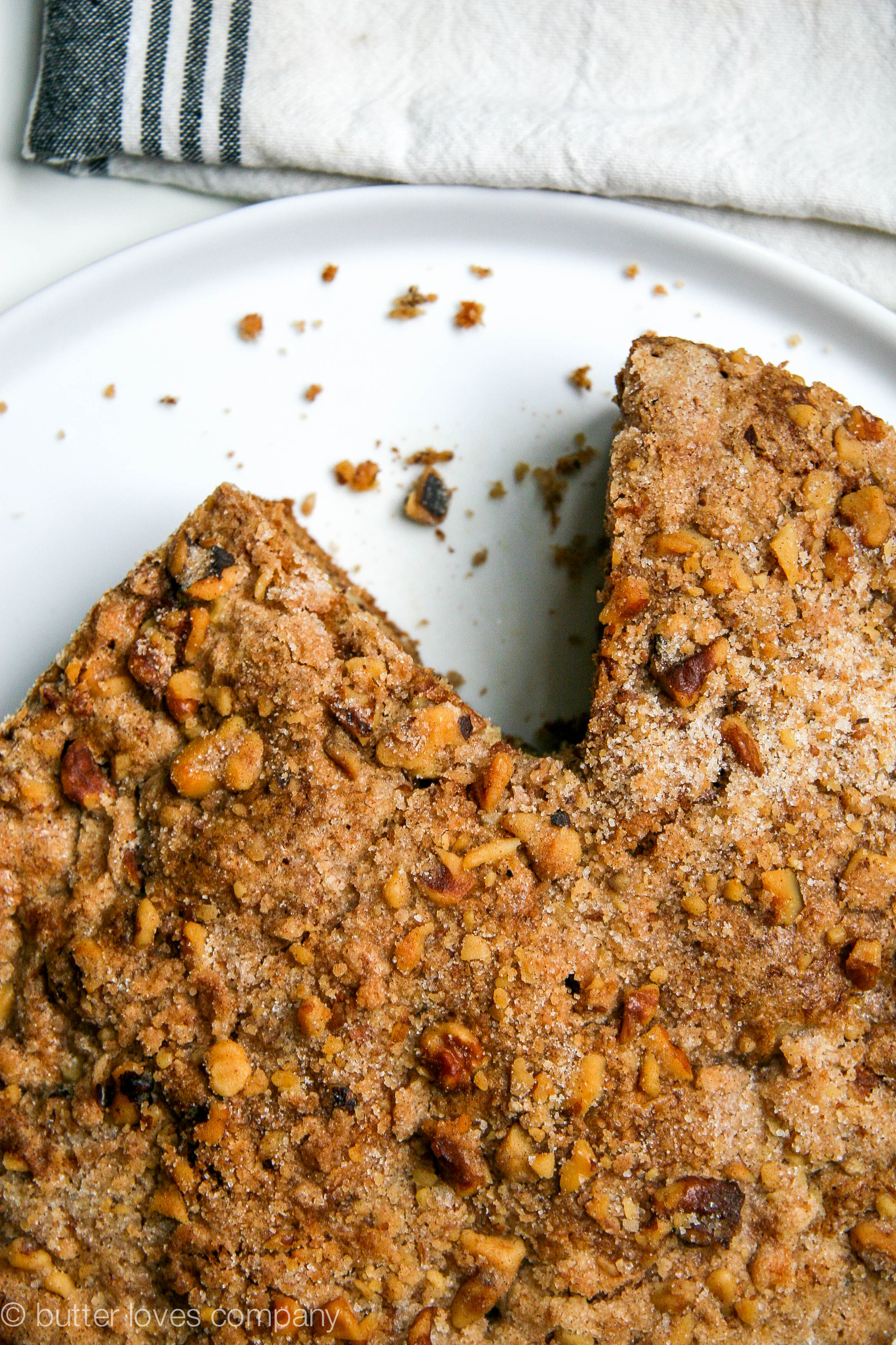brown butter banana bread with crumble 6