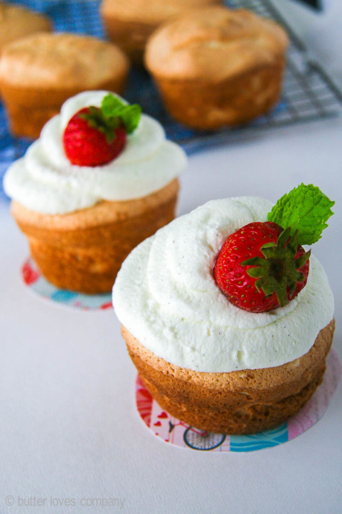 angel-food-cupcakes-recipe-11