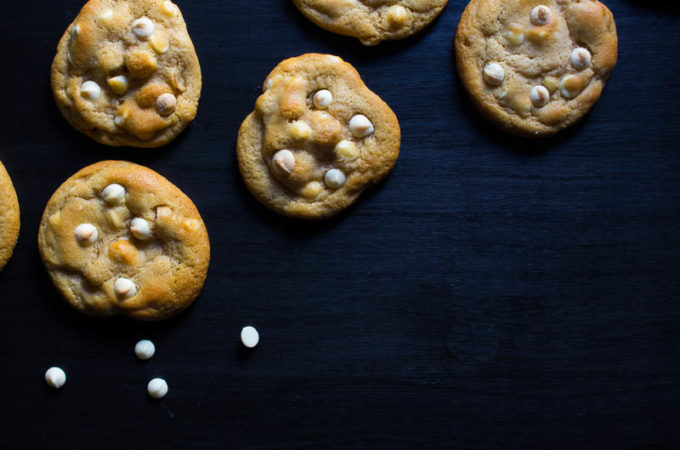 white-chocolate-macadamia-cookies