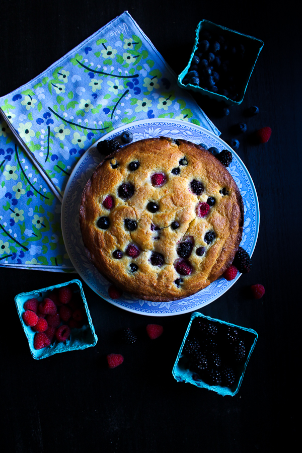 simple berry ricotta cake