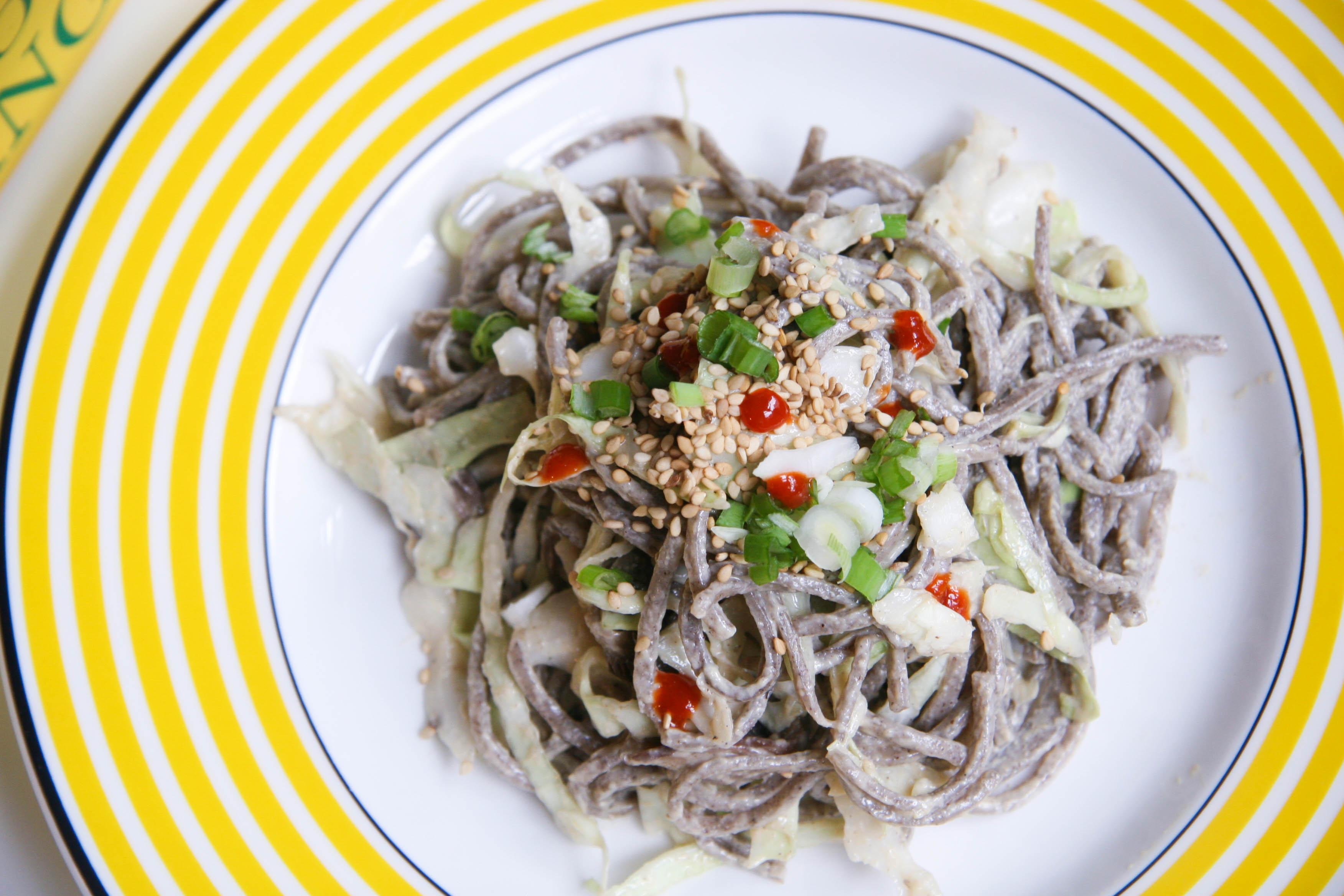 soba noodle salad on plate3