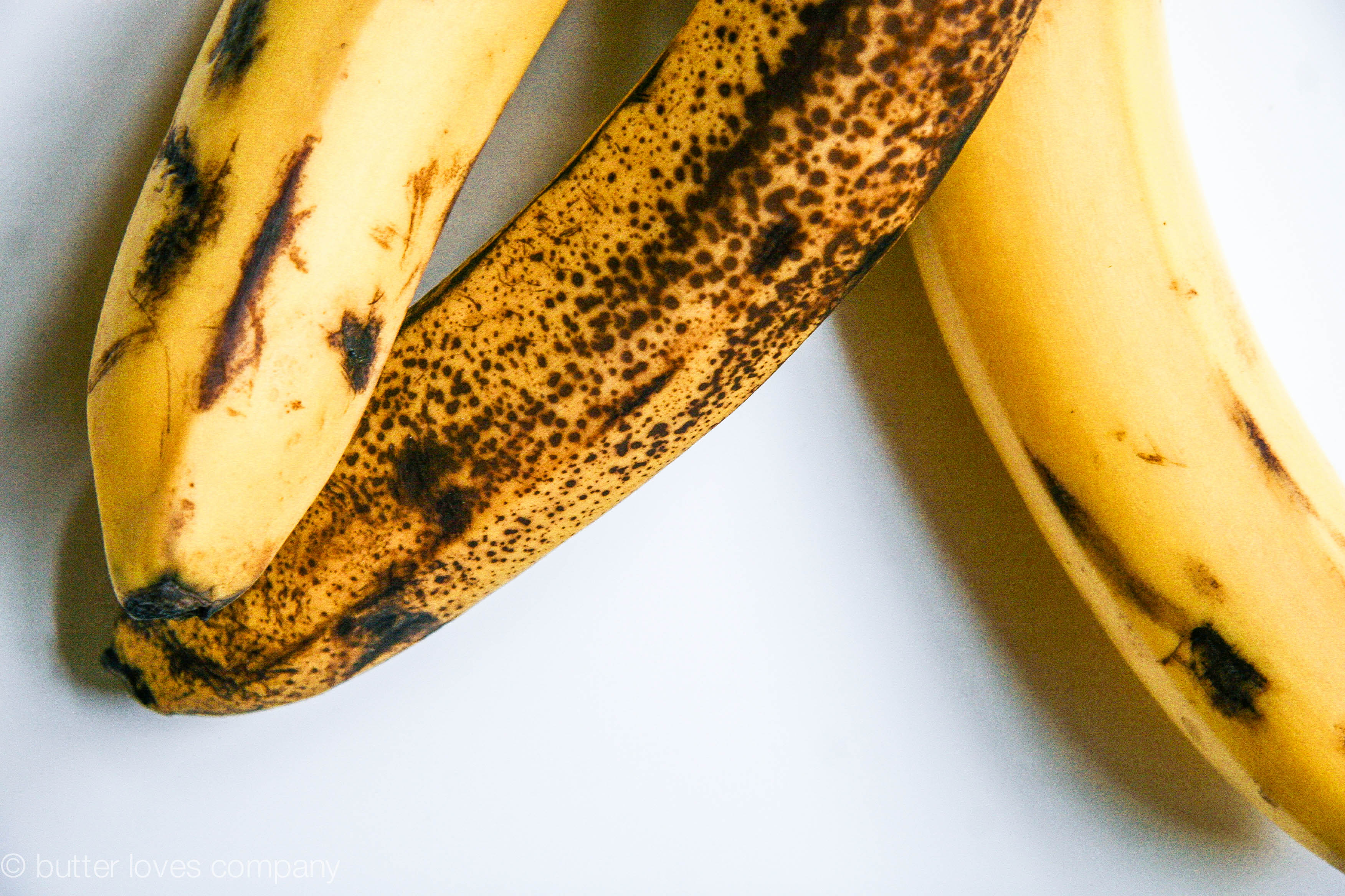 how to keep bananas from turning brown so quickly