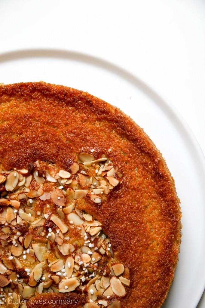 almond-apricot-olive-oil-cake-recipe-9