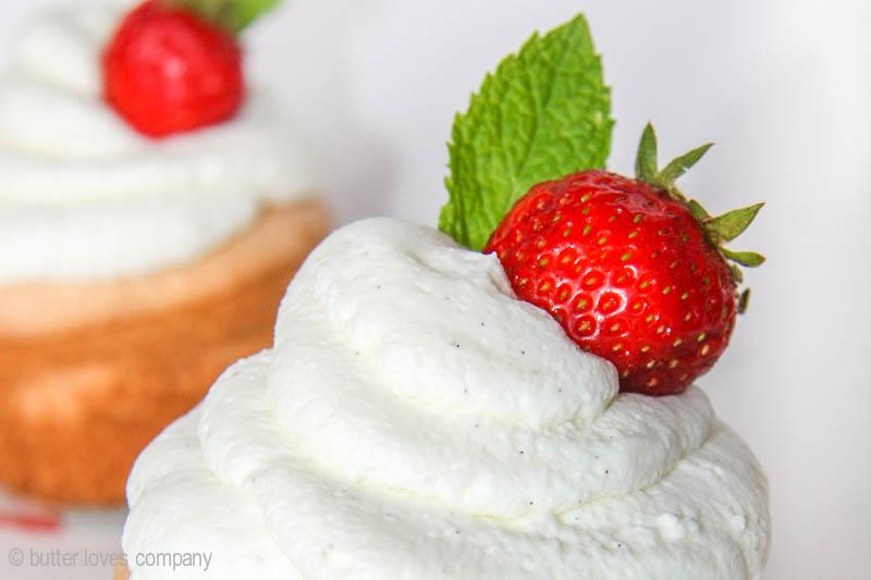 angel-food-cupcakes-recipe-6